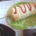 ベーカリーキッチン マハロ - ソーセージパン