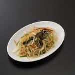 味真 - 本場の唐麺(タンミョン) という春雨に 特製ダレやゴマ油などを和えた「チャプチェ」