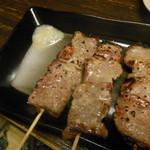 やきとりとおばんざい鳥忠 - 塩麹の豚串