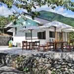 池川茶園 - 可愛い白亜の建物です