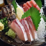 本気居酒屋高橋水産 - 「おまかせ刺身三点盛り」790円也。