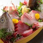 海鮮居酒屋さんせん - 小田原の魚をボリュームいっぱいに盛り合わせた『ガッツリ盛り』