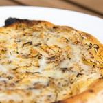 カフェ・スコーラ - 淡路島玉ねぎのピザ