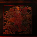 Bar Q - 金の扇子が印象的な和服美人画