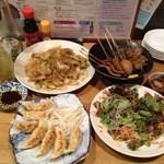 静岡居酒屋 直海 - 浜松餃子、富士宮焼きそば、静岡おでん、バリ勝男くん梅サラダ、お茶コーラ