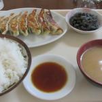 花まさ - 餃子定食 682円