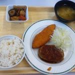 東京大学消費生活協同組合 医科研店 - 松定食(S、350円)と小鉢(60円)