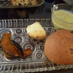 シャンパン・ブランチ - クルミパンに春野菜の豆乳ポタージュ・ベイクドパンプキン・ジャーマンポテト