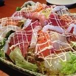 20811526 - 海鮮サラダ、惜しみない刺身!