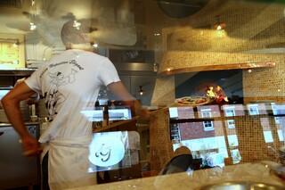 ピッツェリアジージー 鎌倉 - 本格的薪窯ナポリピッツァイタリアン NAPOLIと同じ味・価格・スタイルで! ピッツェリア ジージー(Pizzeria GG) 鎌倉市由比ガ浜2-9-62 0467-33-5286