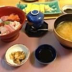海鮮問屋 博多 - 海鮮丼