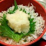 個室割烹日本海 - しらすご飯(しらすご飯と海鮮かき揚げ)