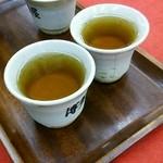 元祖もみじまんじゅう 博多屋 - サービス お茶