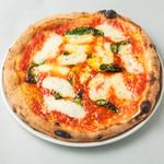 イルソーレ ロッソ - 料理写真:EUの伝統特産品保証を受けたマルゲリータをぜひ!