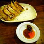 Naniwahitokuchigyouzachaochao - セットのスタミナにんにく餃子