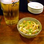 Naniwahitokuchigyouzachaochao - セット780円のビールとガツのピリ辛和え