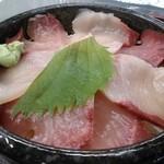 道の駅 松浦海のふるさと館 - ぶり丼定食500円
