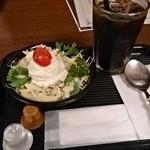 横濱たちばな亭 - セットのサラダとコーヒー