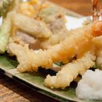 板蕎麦 香り家 - 天ぷら盛り合わせ