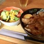 オホーツク美幌食堂 - 豚丼