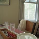 レストラン ソネット - 窓に近い席に案内していただきました