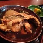 20845202 - 鯛飯定食には、肴の唐揚げが付いている。