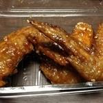 20845420 - 創業昭和31年の鶏料理専門店の手羽先。ビールのアテにはばっちりです(´∀`●)