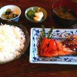 20857855 - 生サーモン照り焼き定食700円