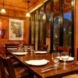 馬肉料理の先駆けとなった恵比寿の小さなレストランです。