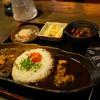 旧ヤム邸 - 料理写真:アチャールがけ、ラム&ポークのホットキーマ(中辛口)、角切り豚バラの黒カリー(辛口)