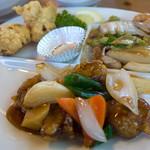 ハオチー - 「B定食」(1,200円)。メインの唐揚げ・黒酢スブタ、八宝菜。いろんなお料理が楽しめます。