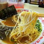 なんでんかんでん - 2013年8月22日(木) ラーメン(600円)粉落とし 麺(粉落とし)