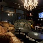 V2 TOKYO - 海外有名アーティストが来店した際に利用される大変ゴージャスな個室も利用可。