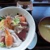 印束商店 - 料理写真:海鮮丼、佃煮、味噌汁