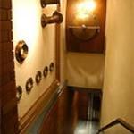 日比谷 Bar WHISKY-S - 店内で使われるオブジェは、 蒸溜所で実際に使われていたもの