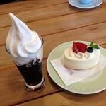 20884011 - コーヒーゼリー/レアチーズケーキ