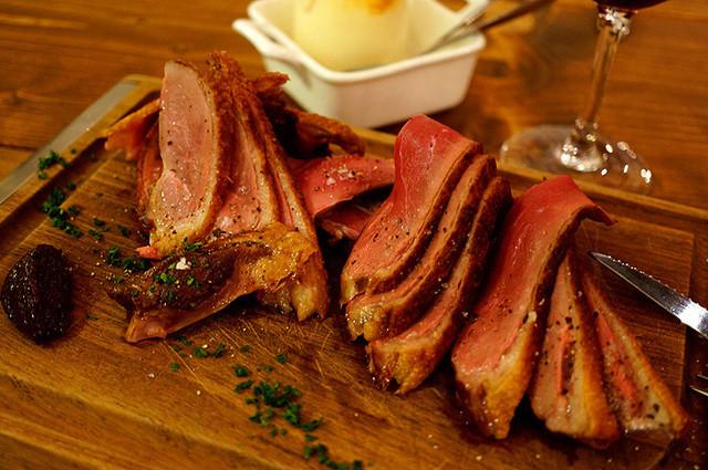 大衆ビストロ ジル - 1日4食限定・夏のおすすめメニュー 青森県産 鴨胸肉のロースト!独り占めしたい美味しさ♪