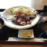 タカ - 照り焼きチキン定食