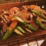 Kitchen和 - アスパラと海老のバター醤油炒め(((o(*゚▽゚*)o)))