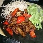 美食 米門 - 若鳥とたたき牛ごぼう黒七味揚げ