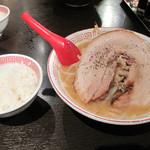 肉玉そば おとど - 雲龍750円を注文しました。 こちらにも無料サービスの小ご飯が付けられます。