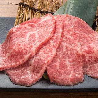 A5ランクの牛肉を安心、安定して提供できる当店で伊万里牛の甘みとうまみをご堪能ください。