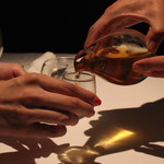 レフェルヴェソンス - まぁ~、一杯、どうぞどうぞ、、、、おとっとっと (2013/08)