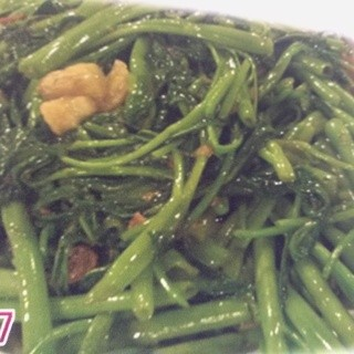 しゃきしゃきのお野菜をふんだんに使った料理も豊富です!