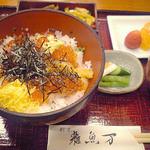 雑魚万 - 海鮮丼