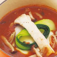 eat more SOUP&BREAD - 煮込みチーズハンバーグと3種類のきのこのデミグラススープ