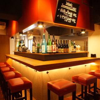 オトナ女子も多く集う日本酒隠れ家バル!