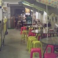 タイーヤータイ - 明るい店内。40名様くらいまでのご宴会も可能です!