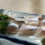 岡部ヤナ - 料理写真:1)鮎の刺身?