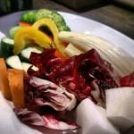 20920801 - 野菜も旬の野菜が盛りだくさん!                                              熊本の旬の野菜を中心にそろえているそうです。